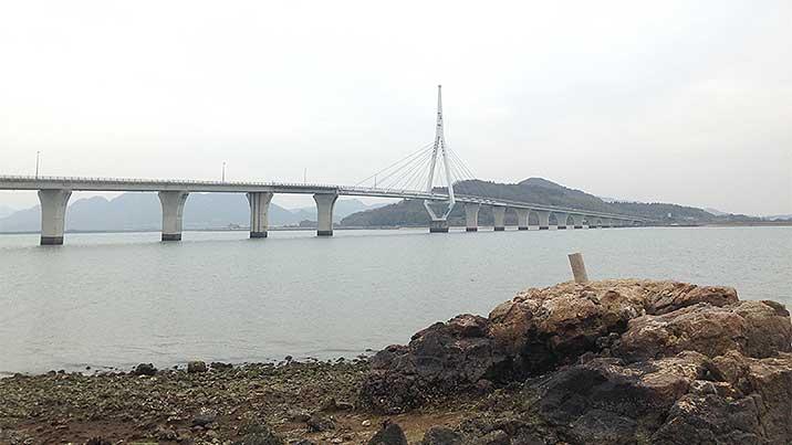 水晶発見スポット・周防大橋下周辺の海岸